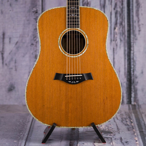 Used Taylor 910e Dreadnought Acoustic/Electric Guitar, Natural, front closeup