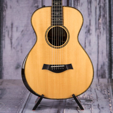 Used Taylor 912e Acoustic/Electric Guitar, Natural, front closeup