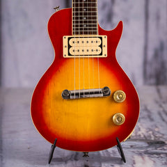 Vintage 1975 Camel Mini Les Paul, Sunburst