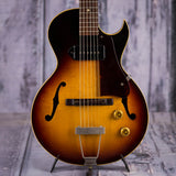 Vintage Gibson ES-140T Short-Scale Hollowbody Electric Guitar, 1959, Sunburst, front closeup