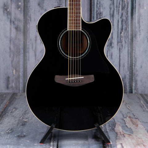 Yamaha CPX600 Medium Jumbo Cutaway Acoustic/Electric Guitar, Black, front closeup