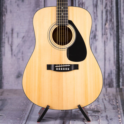 Yamaha F325D Dreadnought Acoustic Guitar, Natural, front closeup