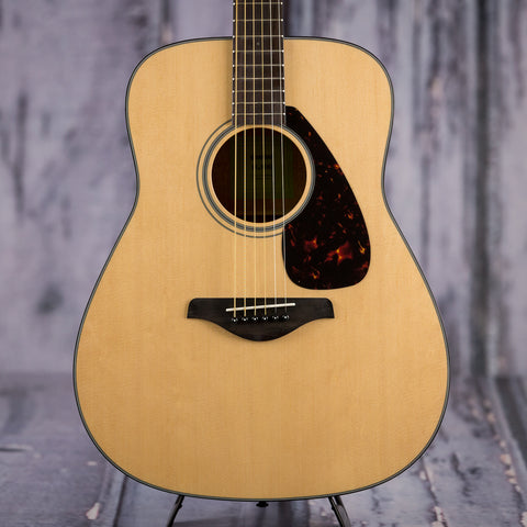 Yamaha Gigmaker Deluxe FG800 acoustic guitar package