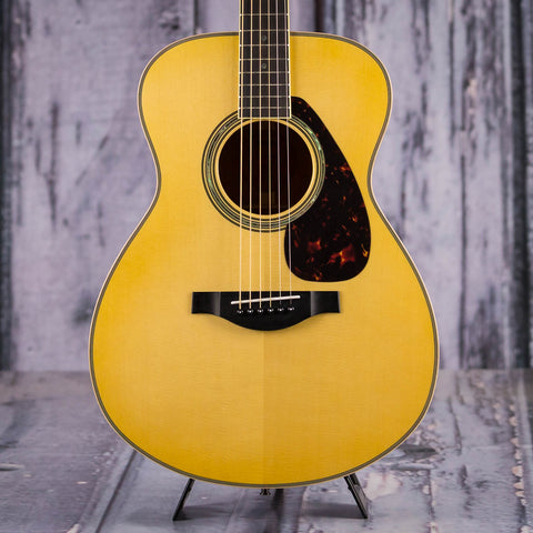 Yamaha LS16MHB Acoustic Electric Guitar, Natural, front closeup