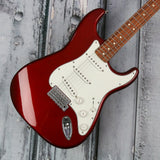 Fender Standard Stratocaster - Candy Apple Red