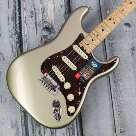 Fender American Elite Stratocaster - Champagne w Maple board