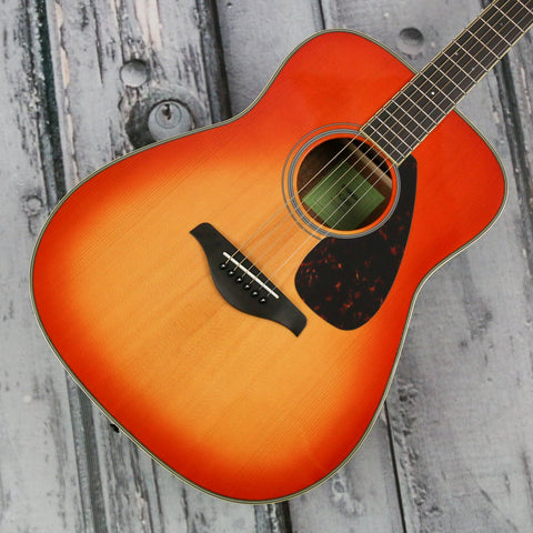 Yamaha FG820 acoustic guitar - autumn burst