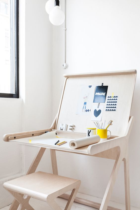 Ra-Fa kids k-desk and x-stool natural