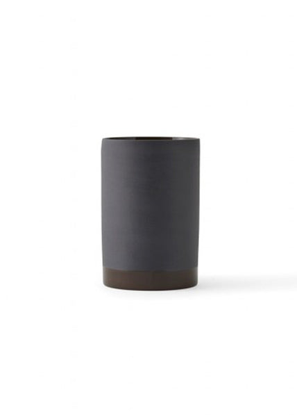 Cylindrical Vase - Small / Carbon - Menu A/S - 3