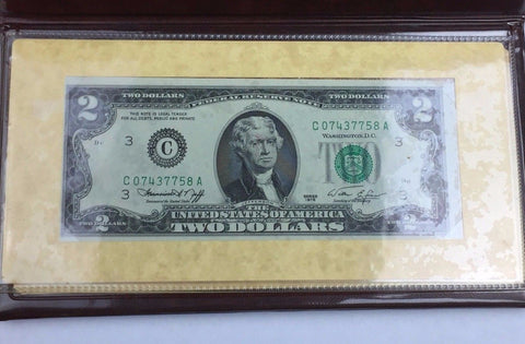 1976 $2 (Two Dollar) Federal Reserve Note First Day of Issue w/ Folder Crisp UNC