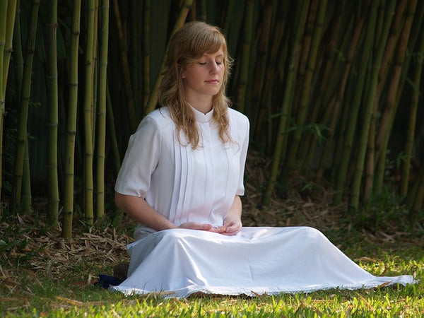 Meditation During Pregnancy: Simple Tips and Techniques - Mumberry