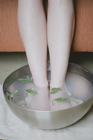 Effective Natural Remedies for Swollen Feet During Pregnancy