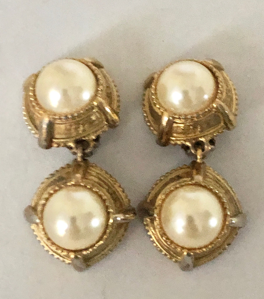 Oscar de la Renta Pearl Clip On Dangle Earrings