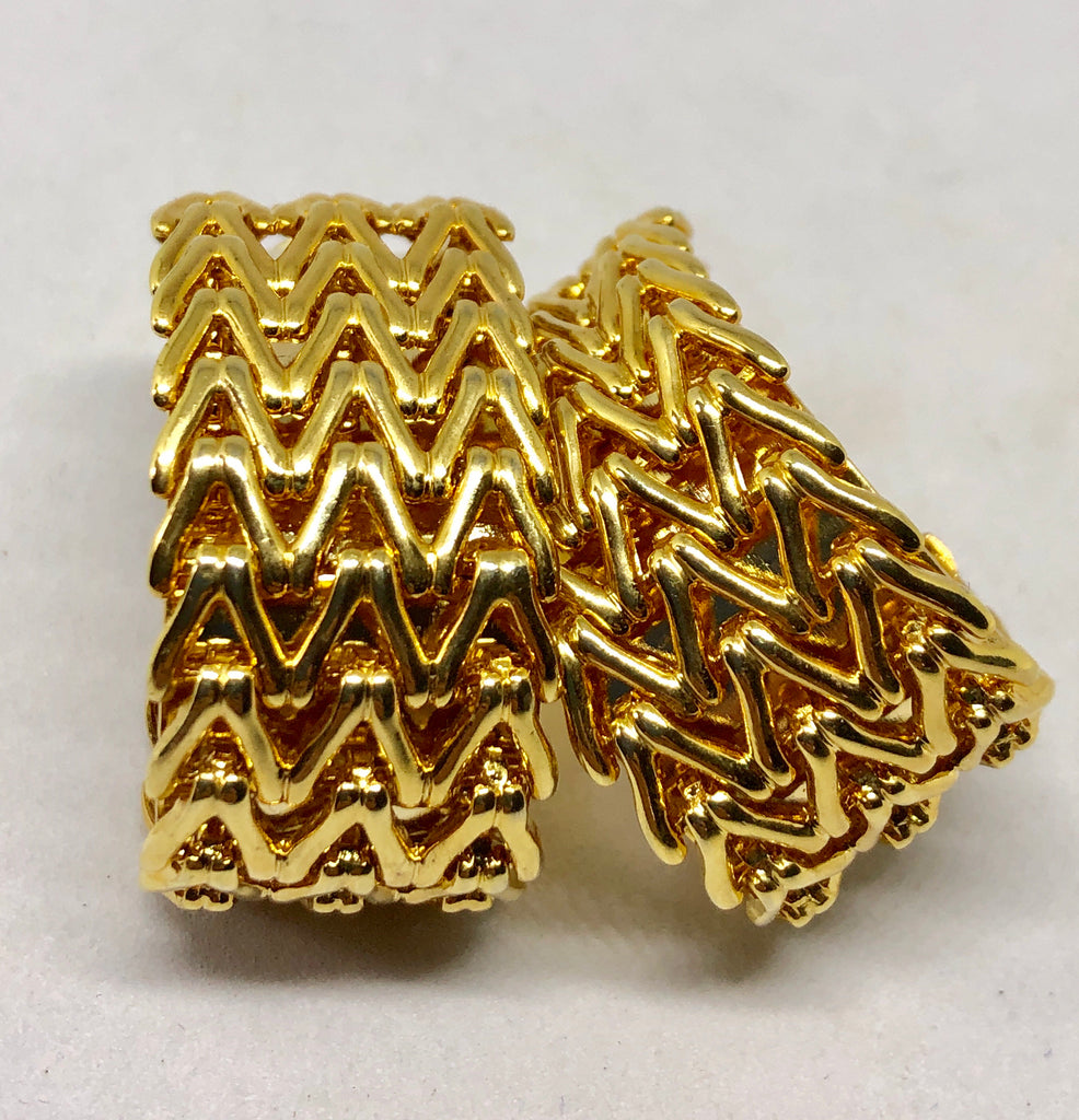 Gold Tone Link Clip On Earrings