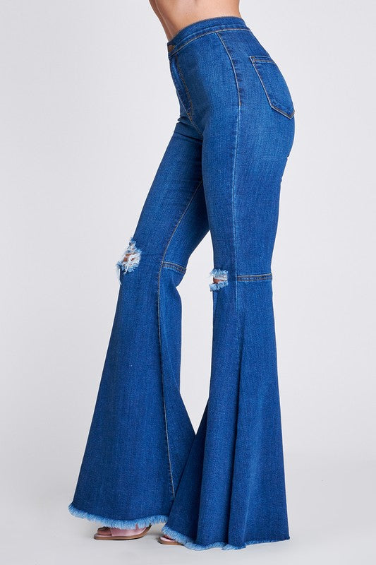 SUPER CUTE MEDIUM WASH FLARES
