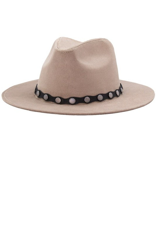 SAND PANAMA FAUX SUEDE HAT WITH PIERCED METAL STUDS