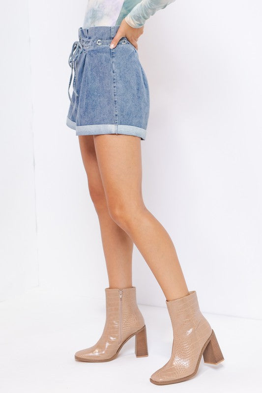 YOUNG & IN LOVE PAPER BAG SHORTS | LE LIS Blu Spero online shopping