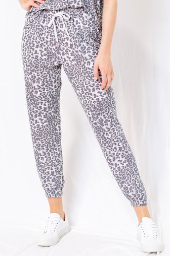 EVERY CROWD LEOPARD PRINT BOTTOMS | LE LIS Blu Spero online shopping