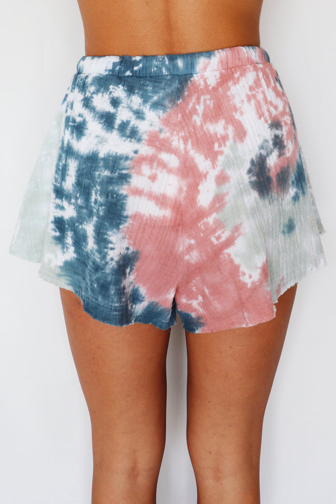 HEAT OF THE MOMENT TIE-DYE SHORTS