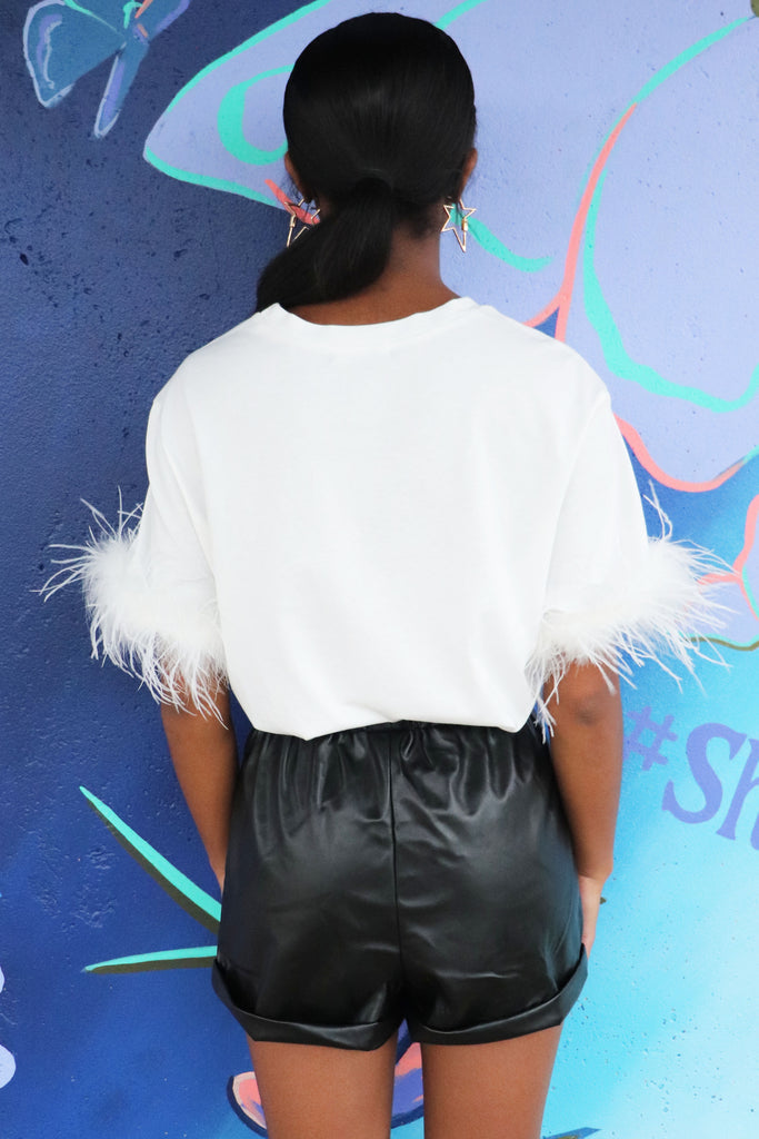 TRES CHIC WHITE FEATHER TEE | ON TWELFTH Blu Spero online shopping