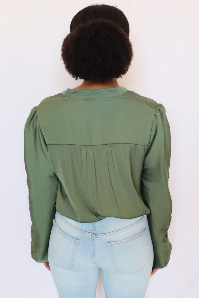 SHOW OFF SOLID LONG SLEEVE TOP