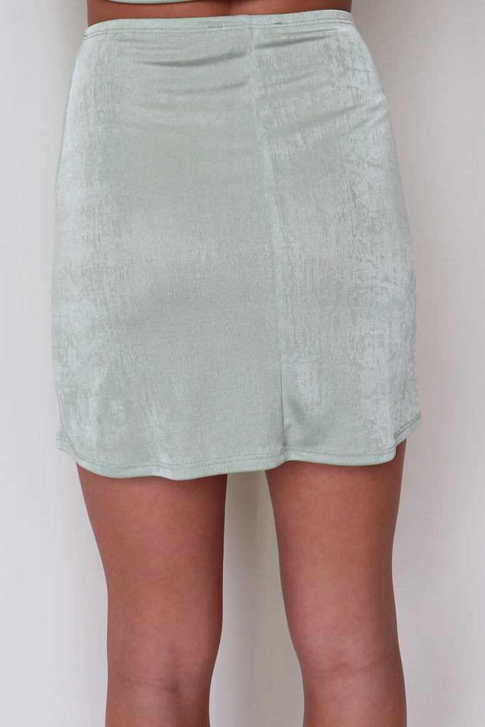 WEEKEND READY SKIRT - 2 COLORS