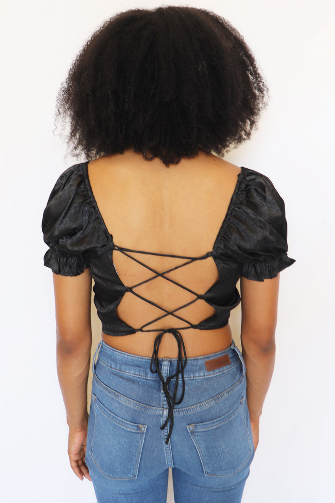 CHANGING LOVE BLACK CROP TOP | LE LIS Blu Spero online shopping