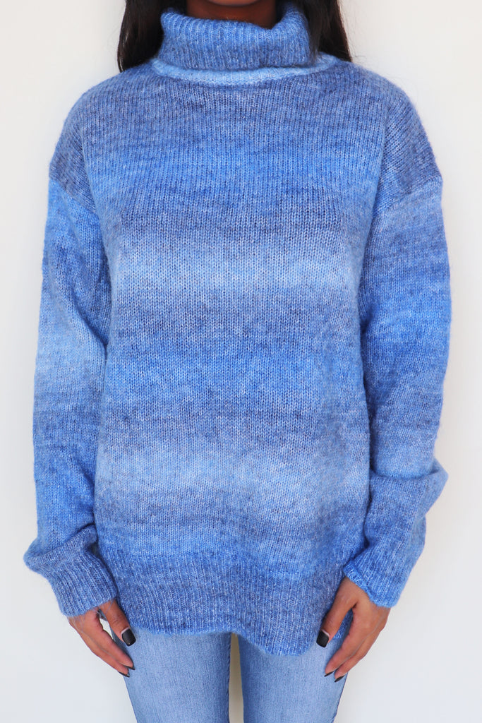 MORNING GLORY TURTLE NECK TIE DYE SWEATER