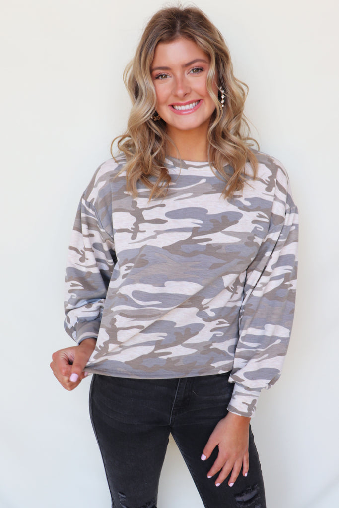 IN THE TRENCHES CAMO SWEATSHIRT | LE LIS Blu Spero online shopping