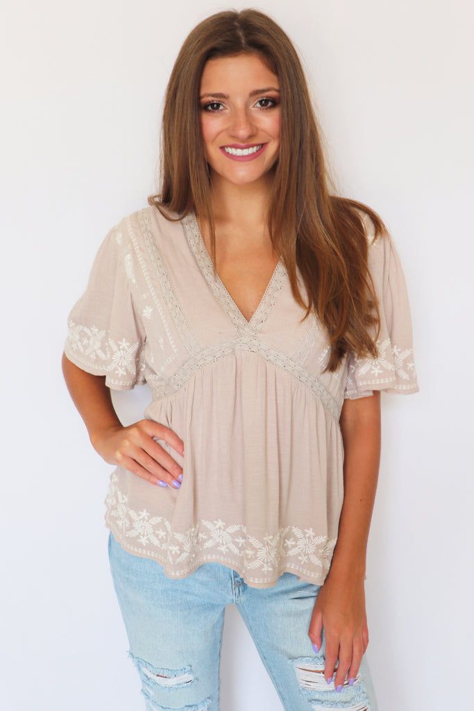 CEASE THE DAY EMBROIDERED BLOUSE