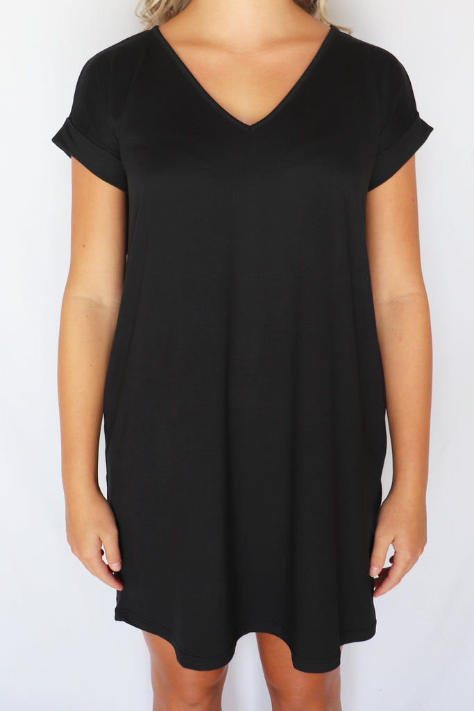 GUESS WHO SHORT SLEEVE BLACK DRESS | ENTRO Blu Spero online shopping