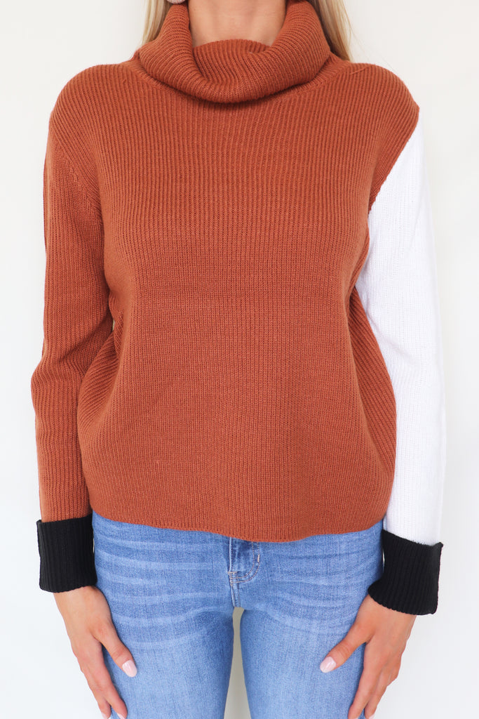COFFEE CAKE COLOR BLOCK SWEATER | TCEC Blu Spero online shopping
