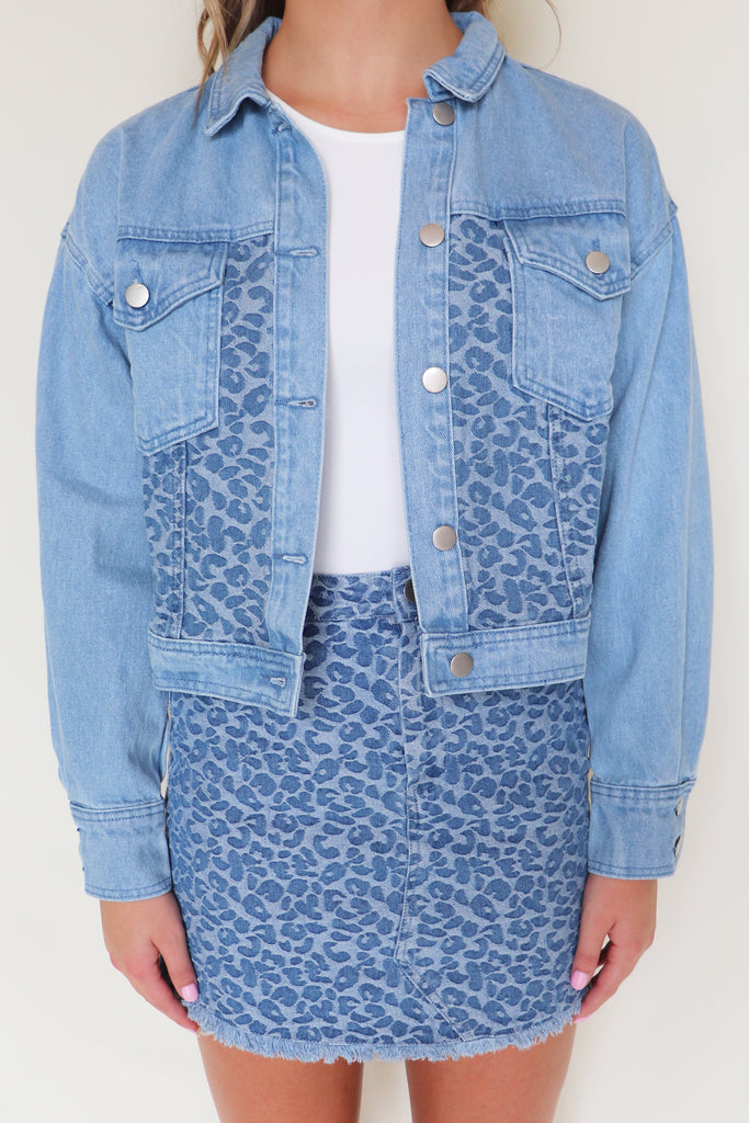 LIVE FOR LEOPARD DENIM BLUE JACKET | LE LIS Blu Spero online shopping