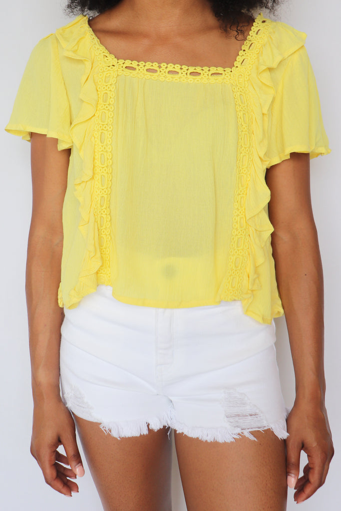 MELLOW YELLOW RUFFLED CROP TOP