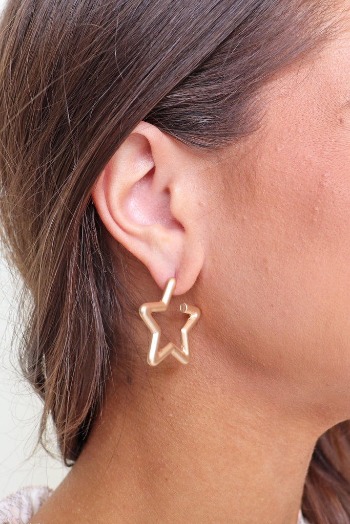 "1"" GOLD STAR HOOPS"