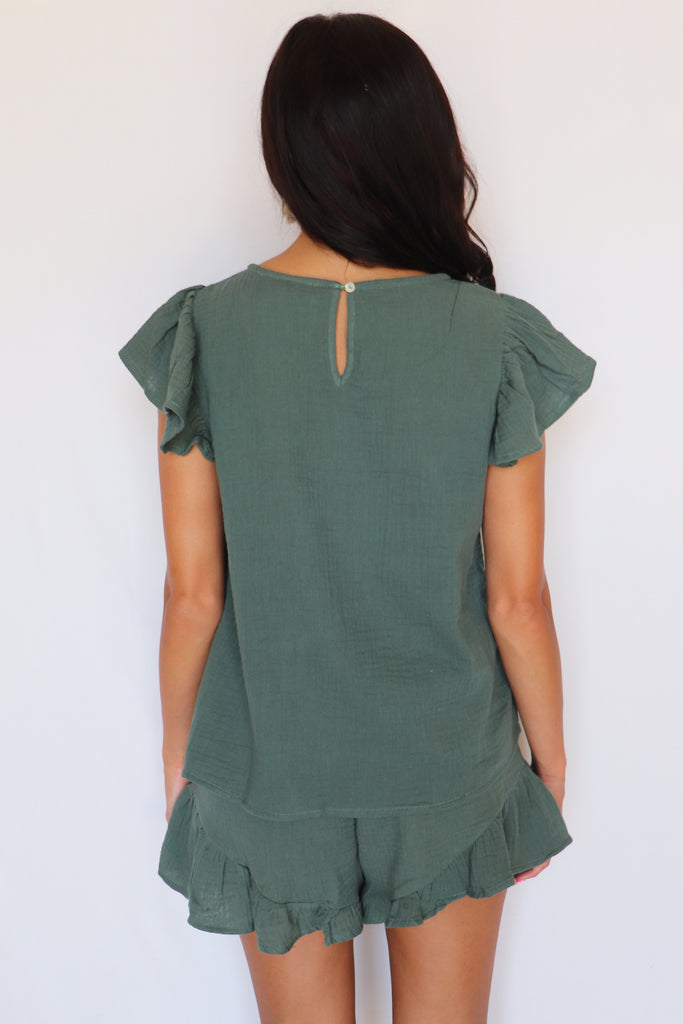 RUFFLE UP EMERALD GREEN PEPLUM SHORTS | LISTICLE Blu Spero online shopping
