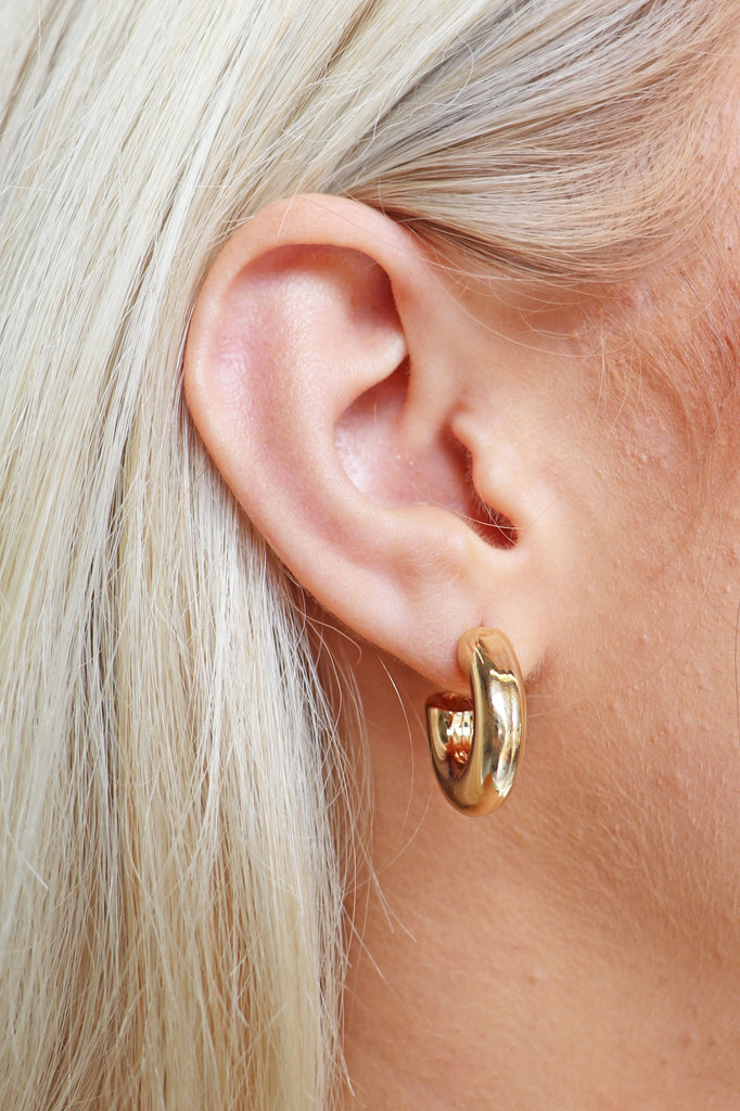 SIMPLE GOLD EARRING SET