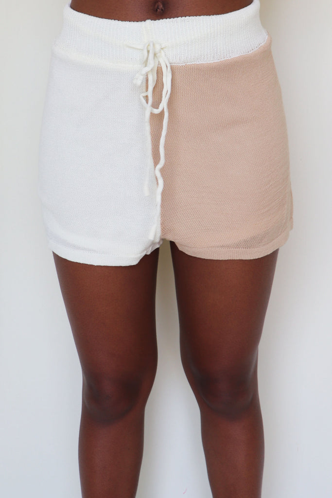 A LITTLE EXTRA COLOR-BLOCK SHORTS