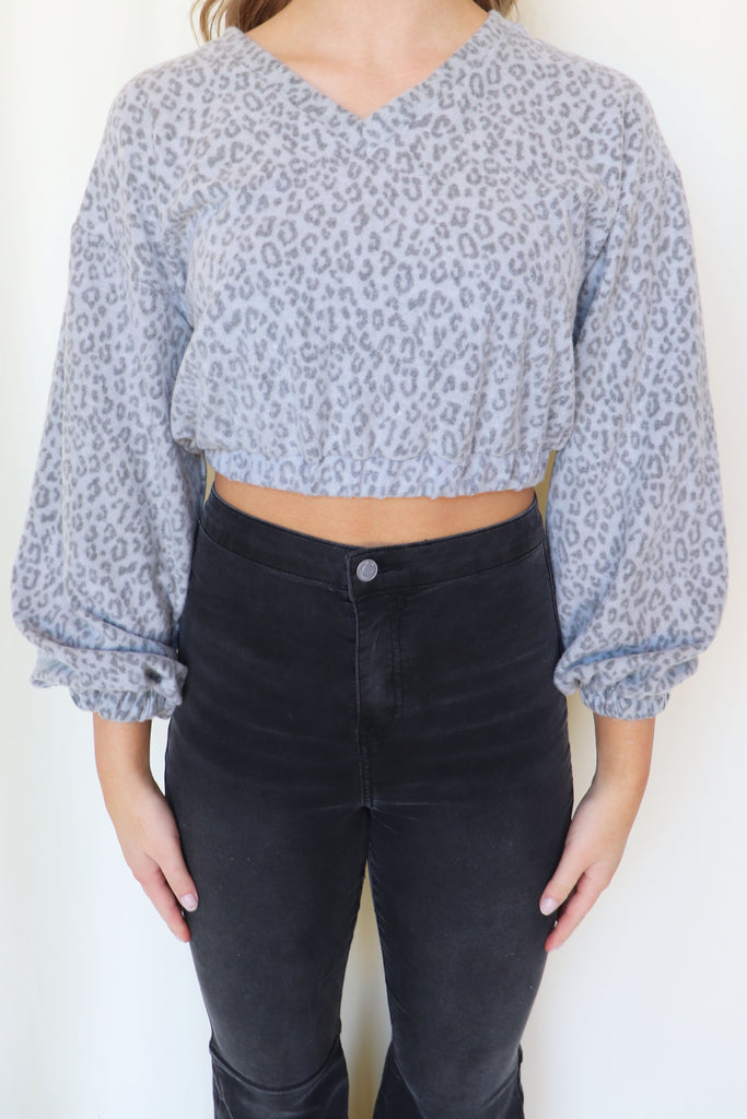 SHOW UP YOUR TIPS CHEETAH CROP TOP | LE LIS Blu Spero online shopping