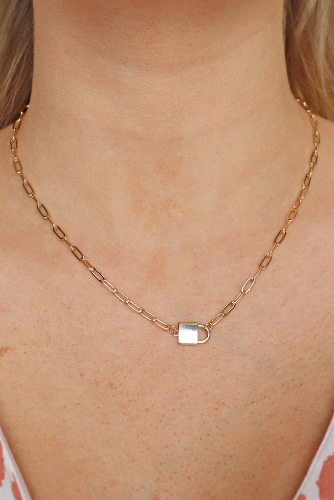 GOLD SIDE LOCK NECKLACE