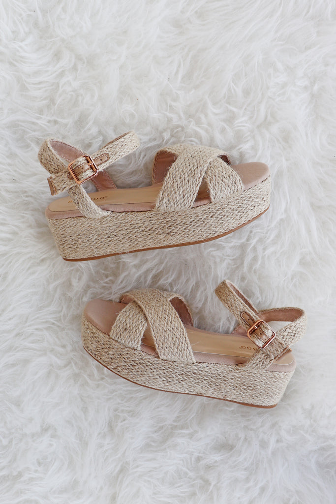 JUNE WOVEN NATURAL PLATFORM