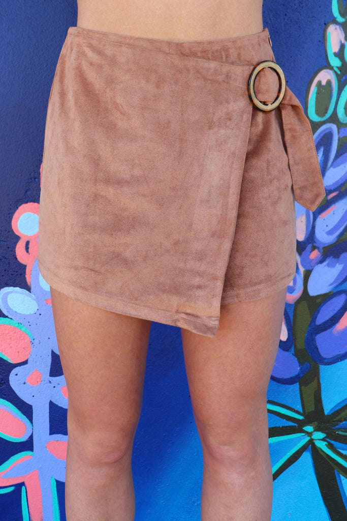 PIVOTAL MOMENTS CAMEL SKORT