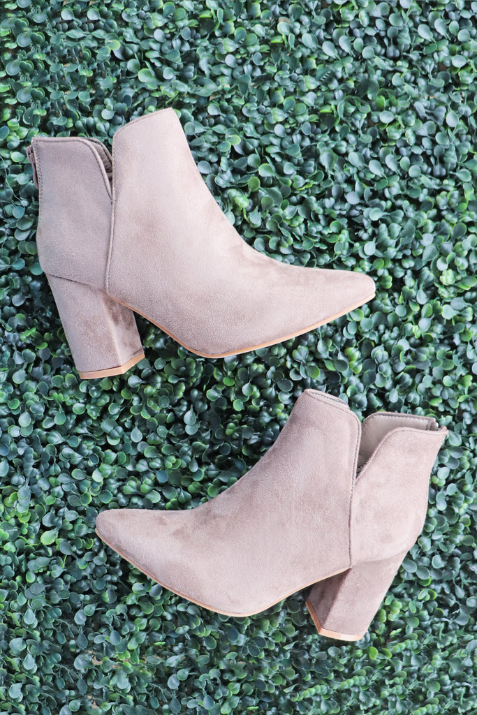 GABRIELLE SUEDE BOOTIES | SHOE SHOE TRAIN Blu Spero online shopping