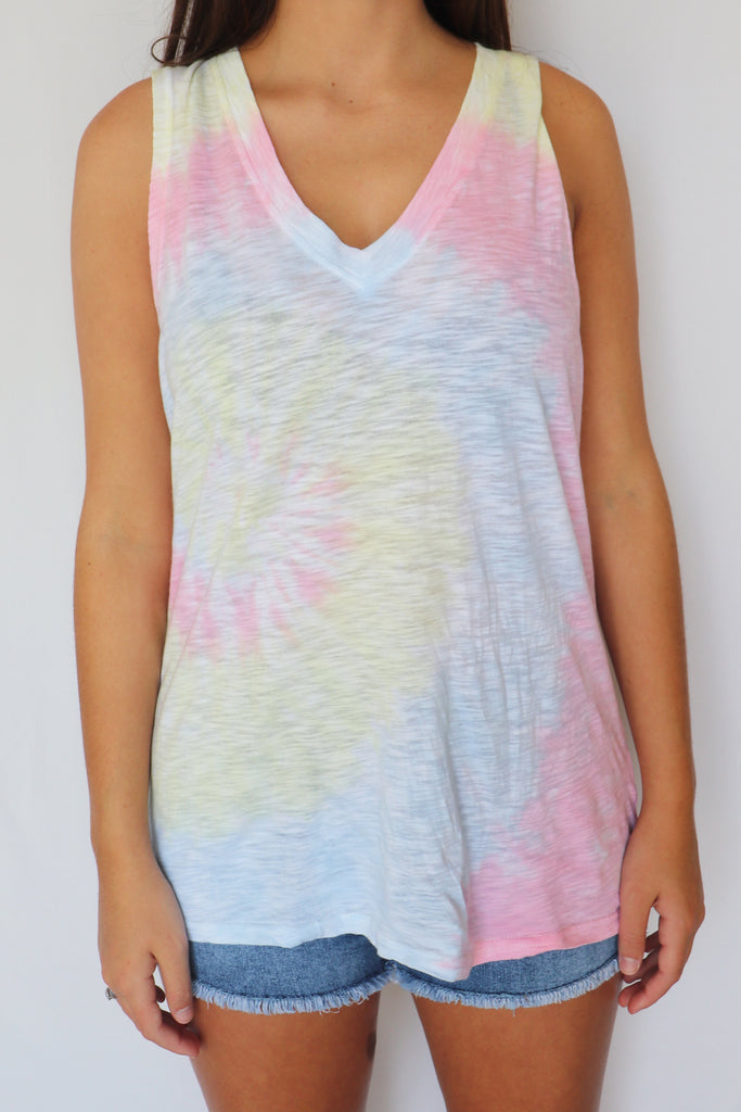 STAY GOLDEN TIE-DYE TANK TOP | Olivaceous Blu Spero online shopping