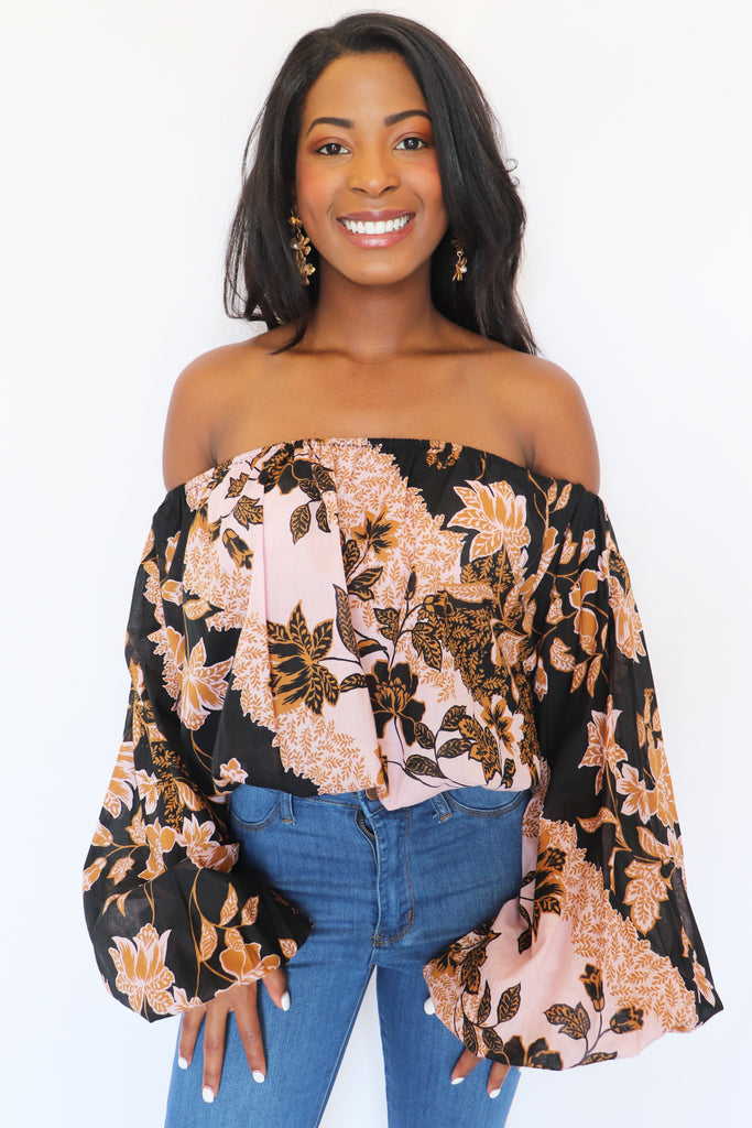 NEVER GIVE UP BLUSH & BLACK OFF-THE-SHOULDER TOP | Olivaceous Blu Spero online shopping