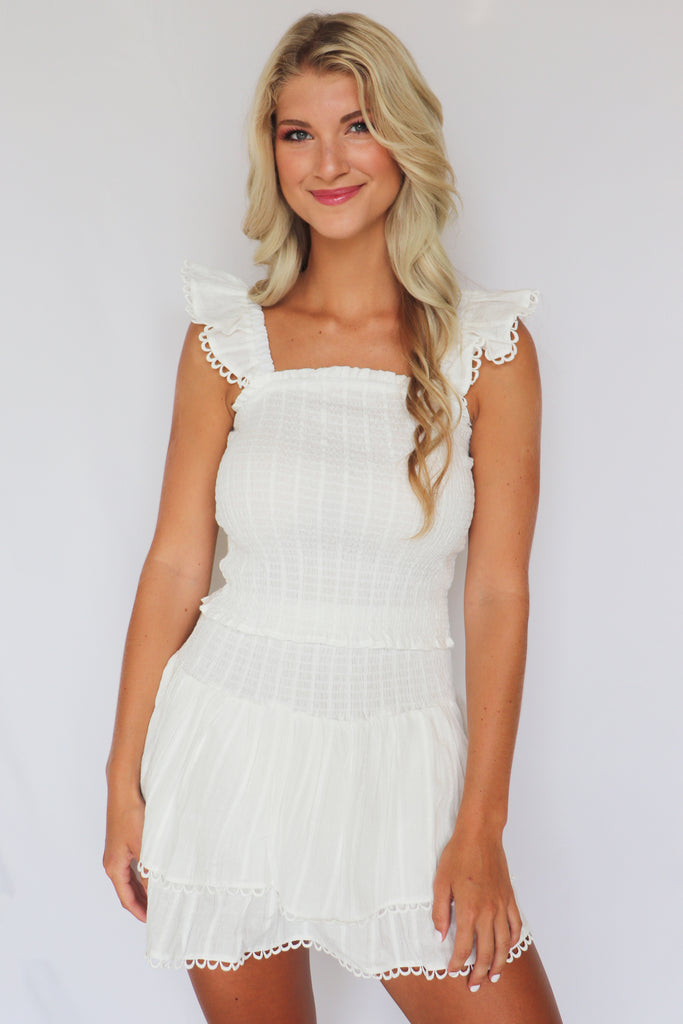 WEEKEND READY WHITE SMOCKED SKIRT