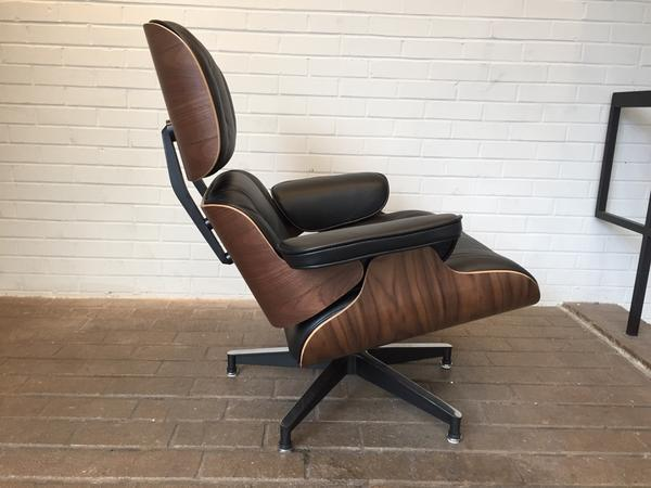 Black Leather in Walnut