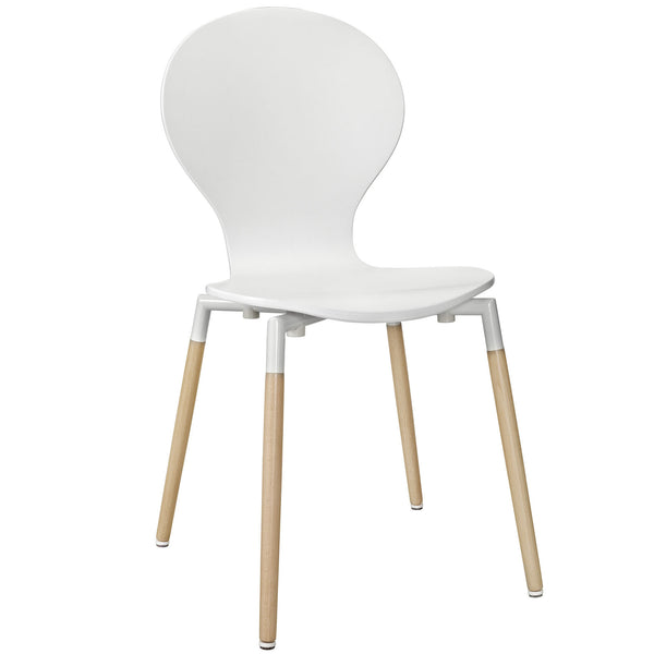 Bug Chair in Black, White  with Natural Legs