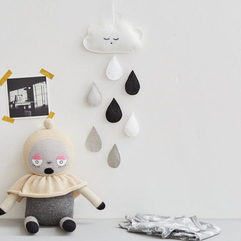 a0b29af84ed96 Cloud and raindrop monochrome wall decal / hanging / baby mobile