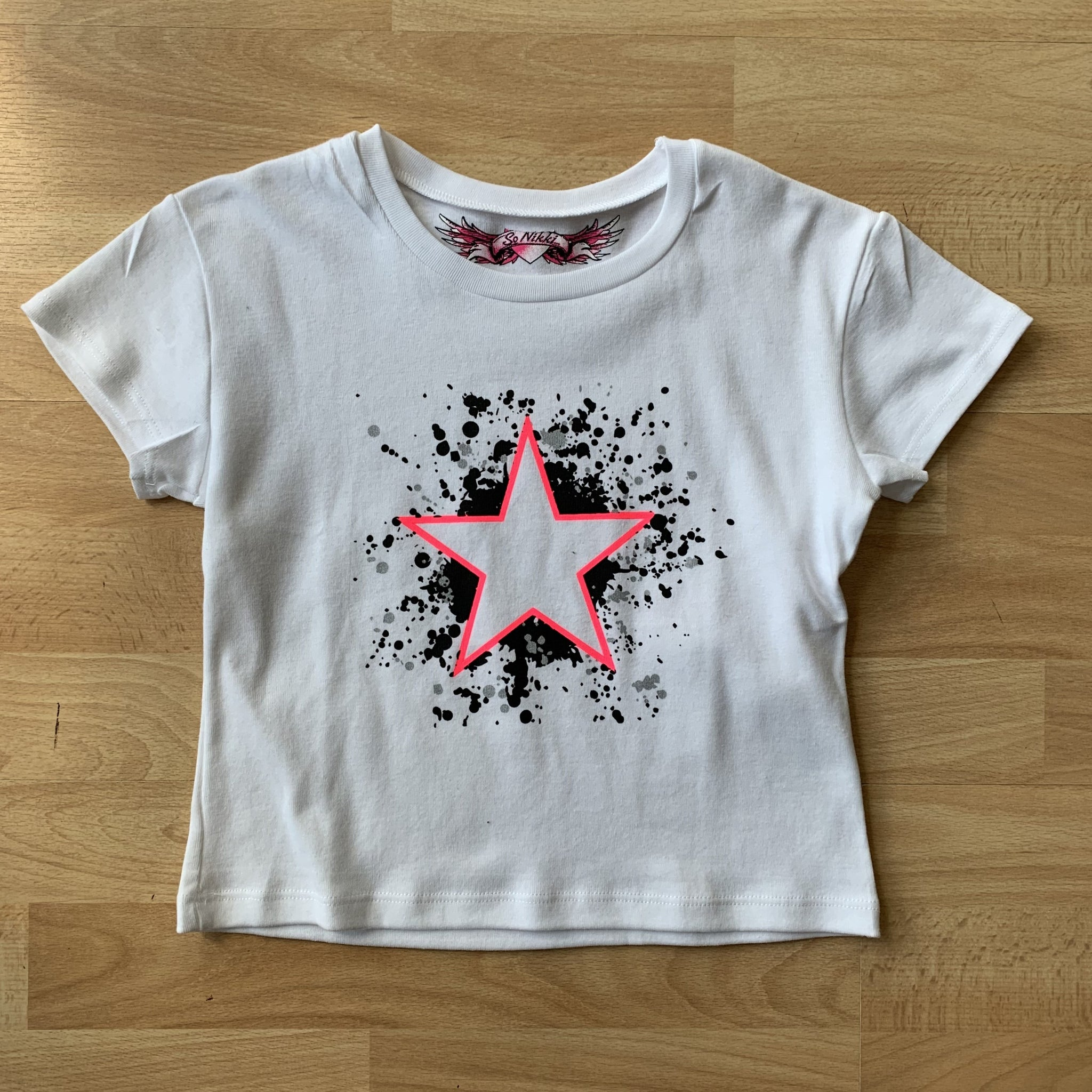 Neon star graphic kids tee
